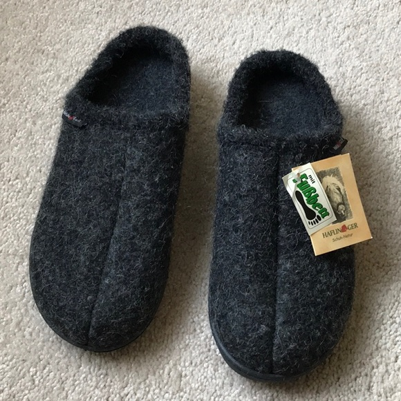 haflinger house slippers in pure wool. never worn.